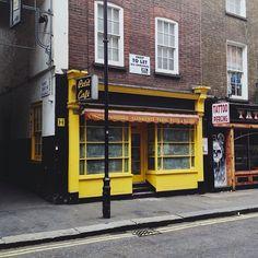 Petit Café   London