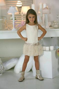 Eulala c'est chic: Boho/charleston/chic a.a communie Eulalieke Little Girl Fashion, Little Girl Dresses, Fashion Kids, Girls Dresses, Flower Girl Dresses, Outfits Niños, Cute Girl Outfits, Cute Outfits For Kids, Toddler Dress