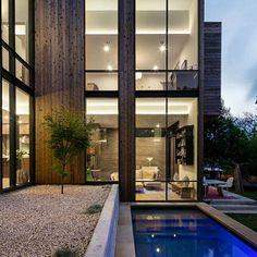 Vía @the_architecture_lover . Constructivist House/ S 4th by Bercy Chen Studio LP Austin, Texas #usa . Welcome to @amazing.architecture ✔ . see more: www.facebook.com/amazingarchitecture . #amazingarchitecture #architecture #design #contemporary #architecten #nofilter #architect #arquitectura #iphoneonly #instaarchitecture #love #Architektur #معمارية #architecture #arquitetura #concept #idea #interiordesign #photooftheday #luxury #luxurious #アーキテクチャ. #Ākitekucha #instatravel #tra...