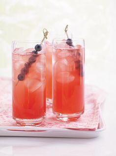 Limonade de rhubarbe  6 1/2 tasses d'eau, 3/4 tasse de sucre,   600g de tiges de rhubarbe fraîche, émincées grossièrement,  jus de 1 citron