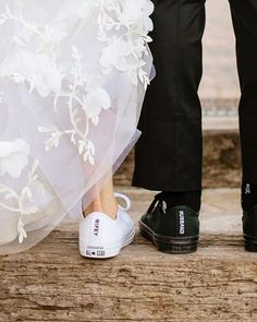 Wifey & Husband👟❤️😍 We Love this creative idea😀 Tag a future Bride & Groom who need some inspiration for their wedding day 👰🏼🤵😍(Just Tag… Wedding Sneakers, Wedding Converse, Bride Converse, Converse High, Diy Converse, Black Converse, Converse Sneakers, Converse Chuck, Wedding Goals
