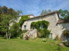 Groepje middeleeuwse gebouwen in mooi park€319500