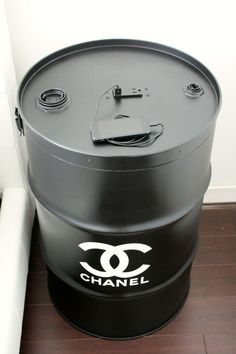 Barrel racing Repurposed Furniture, Home Furniture, Furniture Design, My New Room, My Room, Oil Barrel, Chanel Decor, Chanel Party, Oil Drum