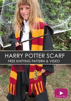 How to Knit a Harry Potter Gryffindor Scarf with Studio Knit | Free Knitting Pattern via @StudioKnit