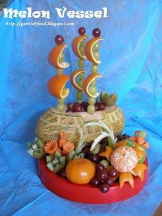 """Fruit Carving Arrangements and Food Garnishes: Melon Vessel and """"Underwater World"""" Fruit Tray"""