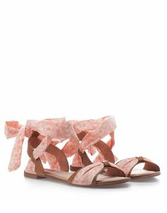 eec9a5d1c816 Bershka Czech Republic online fashion for women and men - Buy the lastest  trends