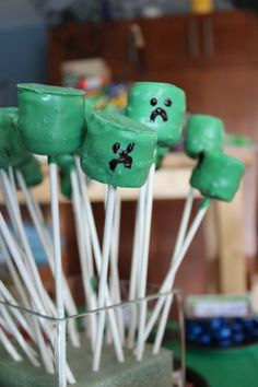 Minecraft Creeper Marshmallow Pops