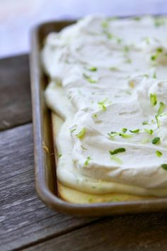 Sheet Pan Key Lime Pie is luscious, dreamy and a creamy classic made all on one sheet pan to feed a crowd! Easy To Make Desserts, Köstliche Desserts, Delicious Desserts, Dessert Recipes, Quick Dessert, Key Lime Desserts, Pie Dessert, Frosting Recipes, Candy Recipes