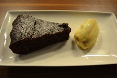 Pastel de chocolate templado