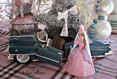 Penny's Vintage Home: Elsa & Anna's Christmas Tree