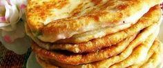Kefírové placky se sýrem. Super náhrada pečiva ke snídani. Kefir, Chicken Roll Ups, Fritters, Apple Pie, Smoothies, Pancakes, French Toast, Rolls, Cooking Recipes