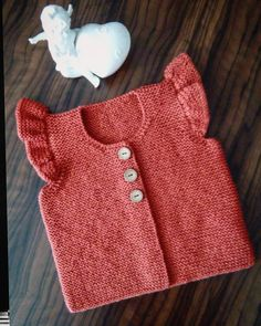 If I do not knit a new # color the buyer # happily uses # BabyStick … – kinder mode Baby Pullover, Baby Cardigan, Baby Girl Vest, Baby Dress, Knitting For Kids, Baby Knitting Patterns, Crochet Baby Jacket, Baby Sweaters, Mode Outfits