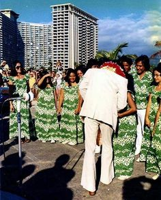 {*Elvis at his Favourite Holiday Destination Hawaii*}