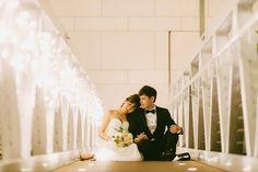 Wedding at Fullerton Bay Hotel, Singapore. Samuel Goh Photography. www.theweddingnotebook.com