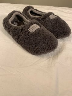49c5721ad92 UGG Birche New Slipper Grey Color Sheepskin Womans Sz 7 Authentic 1007721   fashion  clothing