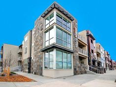 """More of the """"loft"""" apartments in the area. Arista Uptown Apartments in Broomfield, CO"""