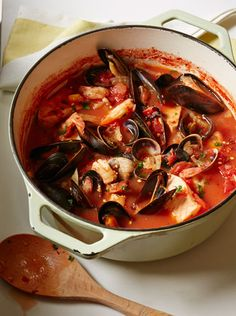 Summer Slow Cooker: Cioppino   Tastebook Blog (i'll make the sauce in the slowcooker then transfer to a pot on stove for the seafood finish)