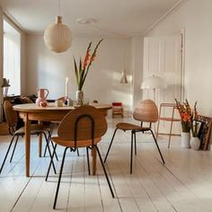 Dining Chairs, Dining Table, Interior Design, Sort, Furniture, Instagram, Home Decor, Chairs, Kitchens