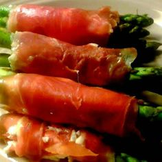 Asparagus, Prosciutto, and Goat Cheese Wraps