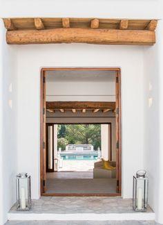 La vista de la piscina desde que abres la puerta