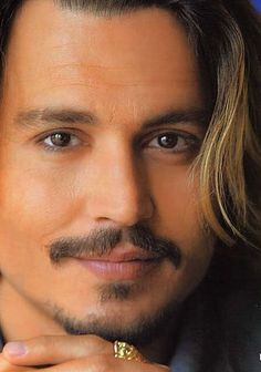 Johnny Depp Love this Face! Marlon Brando, Barba Van Dyke, Johnny Depp Pictures, Here's Johnny, Good Looking Men, Best Actor, Moustache, Famous Faces, Hollywood Actresses
