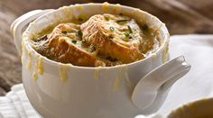 French Onion Soup with Croutons au Gratin recipe with the Lucchesi Masque Croutons Maison, Breaded Mushrooms, Classic French Onion Soup, Soup Recipes, Cooking Recipes, Food Network Canada, Food Articles, Soup And Sandwich, Soup And Salad