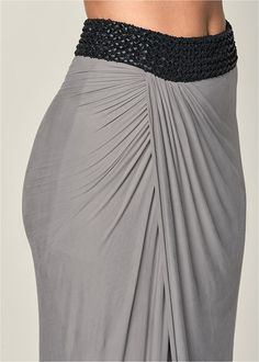 Which is a dress worn within a casual way utilizing a relaxed top notch. Long Skirt Outfits For Summer, Sexy Outfits, Fashion Outfits, Modest Outfits, Pixie Haircut For Thick Hair, Pencil Skirt Outfits, Mix And Match Bikini, Modest Fashion, Apostolic Fashion