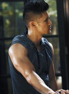 Harry Shum Jr's glorious arms as Magnus Bane