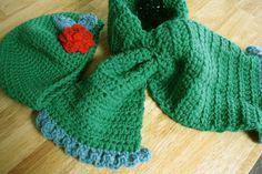 Handig hoor zo'n sjaal, vooral voor baby's en kleine kindjes. Ik heb twee probeersels gemaakt. Een sjaaltje dat los van de muts is en ...