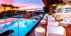 Welkom in het Royal Hideaway Sancti Petri Jacuzzi, Ibiza, Relax, Cadiz, Luxury Apartments, Lighting Design, Table Decorations, Sunset, Beach