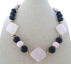 Grande collana audace rosa e nera collana collana di quarzo