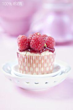 Vegan raspberry cupcakes