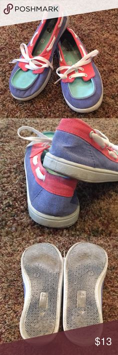 Dream Out Loud boat shoes Size 7 blue, green and coral with white laces. Souls are worn inside and out (Pic) a few marks on white rubber edges (Pic) but when on they look relatively new. Priced accordingly Selena Gomez Shoes Flats & Loafers