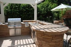 Great design - outdoor kitchen and bar: