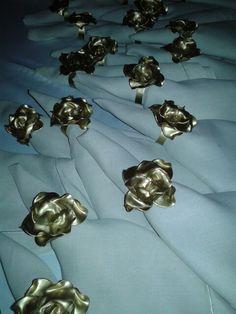 Arrumando o casamento de Priscila Otoch no la Maison. Porta guardanapos feito por Rosa Sensoli Design t