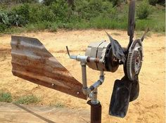 Excellent tutorial to make a diy wind turbine out of an old truck transmission. Great energy saving craft for a homesteader.