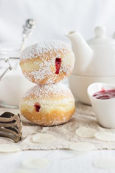 berliner raspberry jam donuts