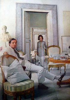 Cy Twombly and his wife, Rome Italy Cy Twombly el pintor estadounidense de garabatos Cy Twombly, Robert Rauschenberg, Sgraffito, Portraits, Beautiful Space, Beautiful Things, Artist At Work, Abstract Expressionism, Abstract Art