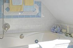 Romantisches Badezimmer im Chabby Chic. Ferienwohnung in Haus Anholt. Timmendorfer Strand.
