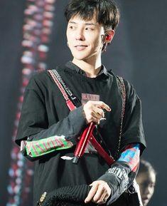 — fckyeahgdragon: 170625 G-Dragon - ACT III:. Daesung, Vip Bigbang, Bigbang G Dragon, G Dragon Hairstyle, G Dragon Fashion, Sung Lee, Rapper, G Dragon Top, Ji Yong