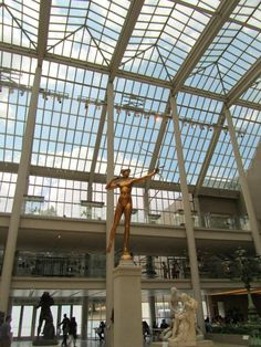 So airy and open I almost expect the sculpture to loose an arrow. #MuseumWeek #favMW @metmuseum @MuseumWeek