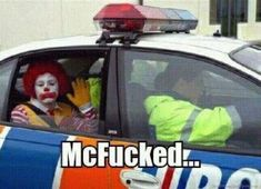 12 Funniest and Most Inappropriate Ronald McDonald Photos (ronald mcdonald images, funny mcdonald pictures) - ODDEE So we are not going to eat Mcdonalds anymore? Funny Shit, Haha Funny, Funny Jokes, Funny Stuff, Funny Things, Random Stuff, Freaking Hilarious, Funny Food, Stupid Memes