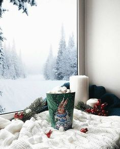 Looking for for inspiration for christmas aesthetic?Navigate here for cool Christmas inspiration.May the season bring you happy memories. Diy Christmas Mugs, Merry Christmas, Christmas Mood, All Things Christmas, Christmas Lights, Christmas Decorations, Christmas Morning, Christmas Porch, Primitive Christmas