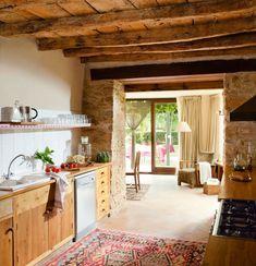 Cocina con armarios de madera Decor, Wood, Kitchen, Home, Kitchen Island, Home Decor