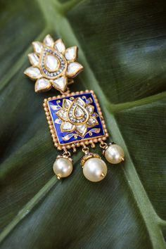 bridal jewelry for the radiant bride India Jewelry, Gold Jewelry, Jewelery, Jewellery 2017, Pearl Jewelry, Jewelry Sets, Luxury Jewelry Brands, Uncut Diamond, Jewelry Patterns