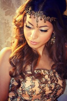 Egyptian headpiece Photo by:Anu Malhi Chain Headpiece, Headpiece Jewelry, Head Jewelry, Jewellery, Body Jewelry, Bridal Jewelry, Headband Hairstyles, Wedding Hairstyles, Easy Hairstyles
