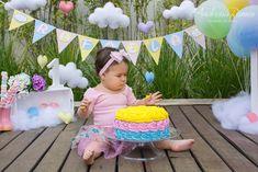 SMASH THE CAKE - Rafaela | Chuva de Amor - São Paulo Birthday, Chloe, 1, Party Ideas, Anniversary Photos, Light Colors, Love Rain, Party, Ideas