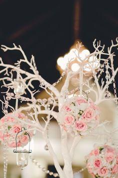 Flowers and twig decor for winter wedding, Glamorous Winter Wedding Decoration Ideas www.loveitsomuch.com