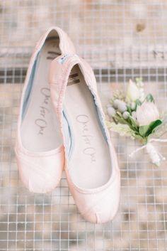 Flats: http://www.stylemepretty.com/iowa-weddings/2015/04/03/whimsical-countryside-wedding/ | Photography: Aly Caroll - http://www.alycarroll.com/