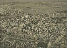 1958 yılına ait havadan çekilmiş İstanbul fotoğrafı. (Bu fotoğraf çekildiğinde İstanbul nüfusu 2 milyon civarında idi.) Fotoğraf: Hilmi Şahenk / 1958